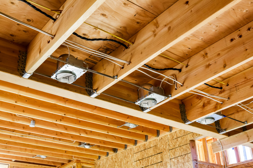 Can recessed lighting exposed wooden ceiling