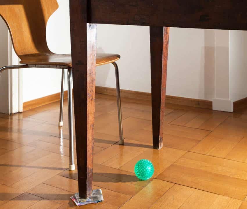 Hepplewhite table leg made of wood