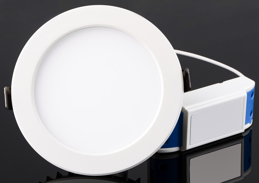 Round shaped canless light recessed